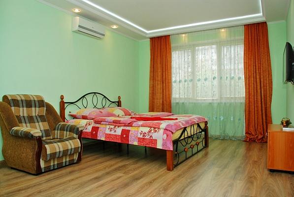 1-комнатная квартира посуточно в Киеве. Оболонский район, пр-т Оболонский, 25. Фото 1