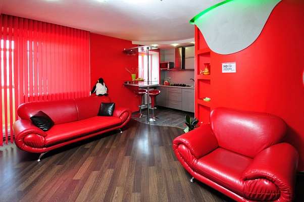 2-комнатная квартира посуточно в Харькове. Дзержинский район, ул. Отакара Яроша, 55. Фото 1