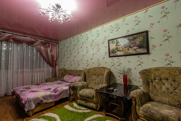 1-комнатная квартира посуточно в Севастополе. Гагаринский район, пр-т Октябрьской Революции, 32. Фото 1