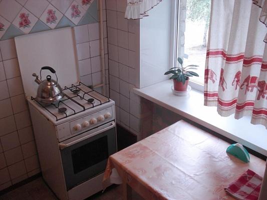 1-комнатная квартира посуточно в Кременчуге. ул. Цюрупы, 6. Фото 1