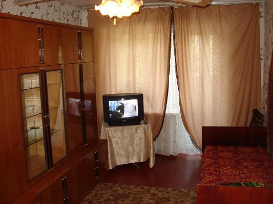 1-комнатная квартира посуточно в Кременчуге. ул. Победы, 12. Фото 1