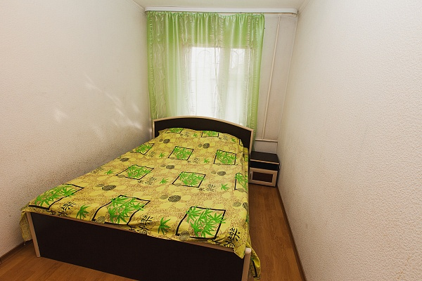 3-комнатная квартира посуточно в Северодонецке. ул. Федоренко, 13. Фото 1