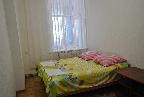 2-комнатная квартира посуточно в Евпатории. санаторская, 3. Фото 1