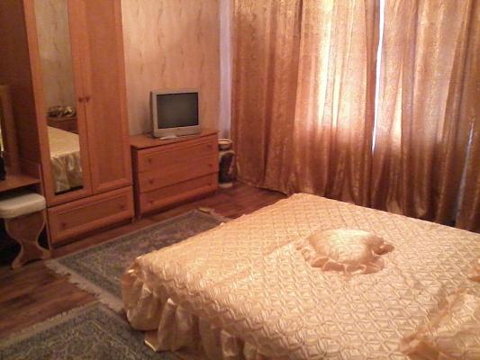 1-комнатная квартира посуточно в Алчевске. пр-т Ленина, 7. Фото 1