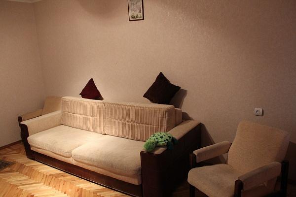 2-комнатная квартира посуточно в Днепропетровске. Бабушкинский район, Запорожское шоссе, 48. Фото 1