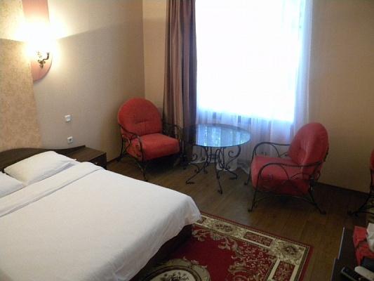 1-комнатная квартира посуточно в Кривом Роге. Дзержинский район, ул. Косиора, 82. Фото 1