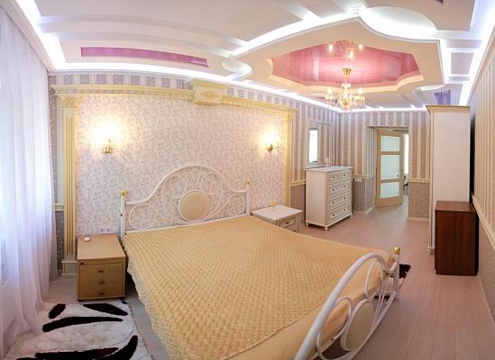 2-комнатная квартира посуточно в Николаеве. Центральный район, ул. Советская, 13. Фото 1