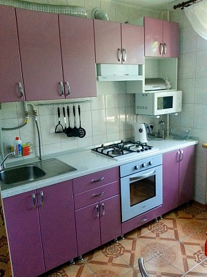 2-комнатная квартира посуточно в Алуште. ул. Ленина, 41. Фото 1