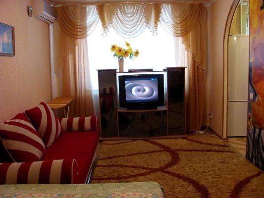 1-комнатная квартира посуточно в Мариуполе. ул. Варганова, 4. Фото 1
