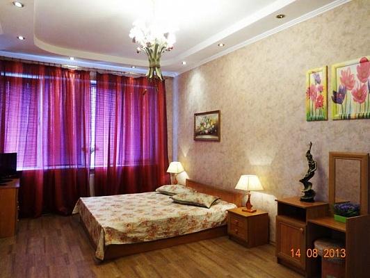 2-комнатная квартира посуточно в Житомире. ул. Киевская, 75. Фото 1