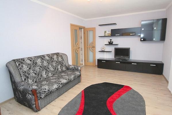 2-комнатная квартира посуточно в Феодосии. б-р Старшинова, 27. Фото 1