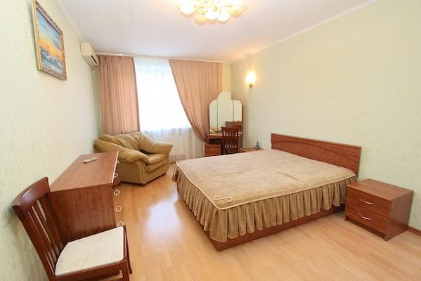 1-комнатная квартира посуточно в Феодосии. пер. Колхозный, 7а. Фото 1