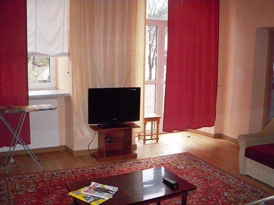 3-комнатная квартира посуточно в Львове. Галицкий район, пл. Рынок, 27. Фото 1