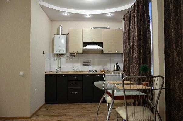 1-комнатная квартира посуточно в Чернигове. Деснянский район, мира проспект, 35. Фото 1