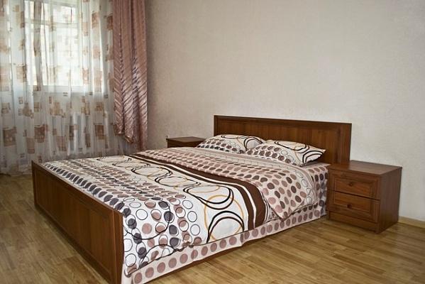 1-комнатная квартира посуточно в Киеве. Днепровский район, ул. Луначарского, 12. Фото 1
