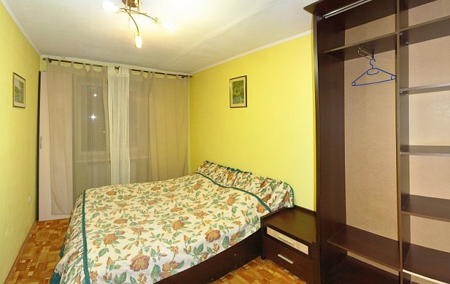 3-комнатная квартира посуточно в Трускавце. ул. Стебницкая, 104/39. Фото 1
