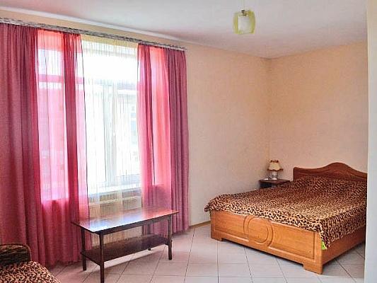 Мини-отель  посуточно в Феодосии. ул. 3-го Интернационала, 20. Фото 1