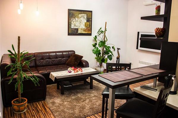2-комнатная квартира посуточно в Одессе. Киевский район, ул. Садовая, 19. Фото 1