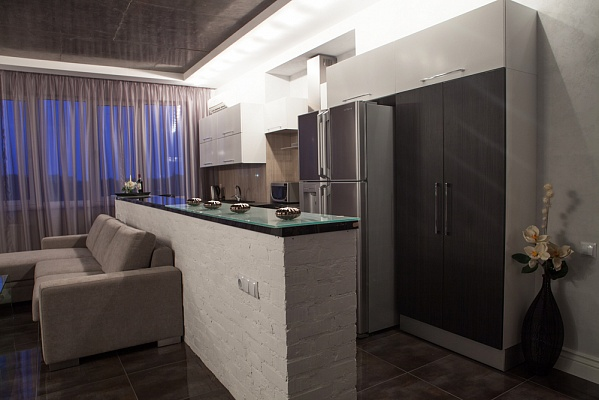2-комнатная квартира посуточно в Одессе. Приморский район, пр. Шевченко, 33Б. Фото 1