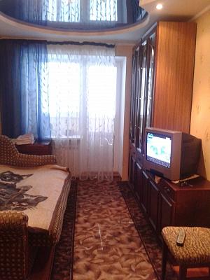 1-комнатная квартира посуточно в Бердянске. ул. Энгельса, 70. Фото 1