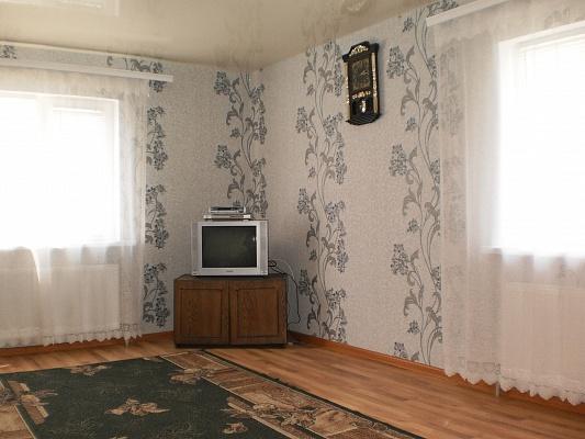 1-комнатная квартира посуточно в Умани. ул. Парыжськой Коммуны, 1. Фото 1