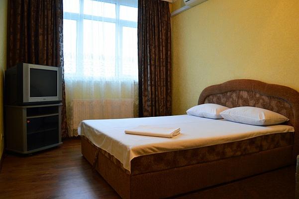 1-комнатная квартира посуточно в Киеве. Днепровский район, ул. Воскресенская, 16Г. Фото 1