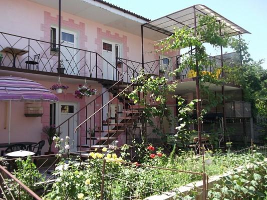 Мини-отель  посуточно в Феодосии. ул. Московская, 63. Фото 1