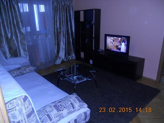 2-комнатная квартира посуточно в Киеве. Печерский район, б-р Л.Украинки, 28. Фото 1