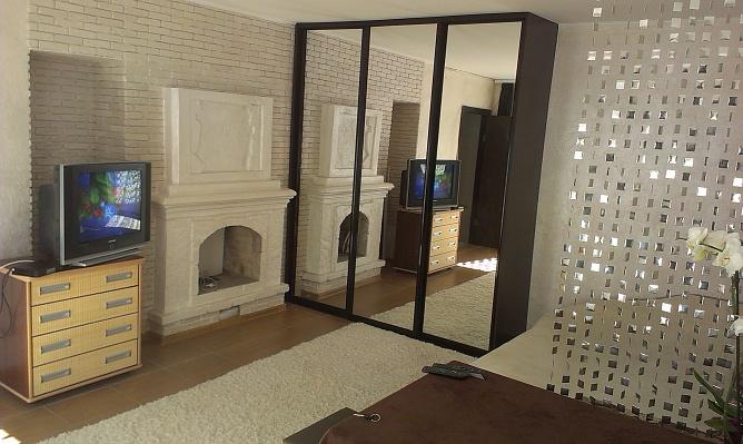 1-комнатная квартира посуточно в Каменце-Подольском. ул. Долгая, 5. Фото 1
