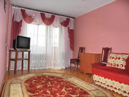 2-комнатная квартира посуточно в Ивано-Франковске. ул. Бельведерская, 49. Фото 1