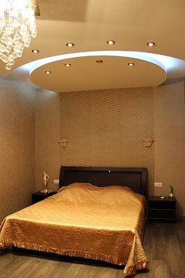 3-комнатная квартира посуточно в Одессе. Приморский район, ул. Среднефонтанская, 19. Фото 1