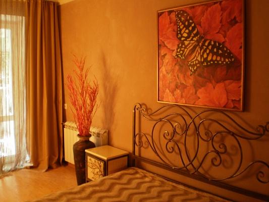 3-комнатная квартира посуточно в Хмельницком. ул. Трудовая, 13. Фото 1