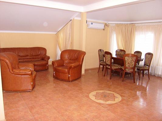 4-комнатная квартира посуточно в Одессе. Киевский район, ул. Дундыча, 1а. Фото 1