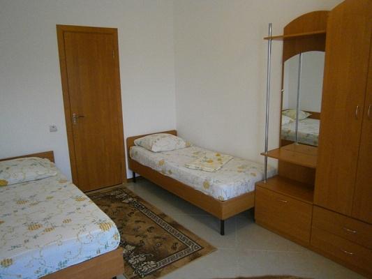 Мини-отель  посуточно в Счастливцево. ул. Гагарина, 109. Фото 1