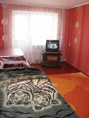 1-комнатная квартира посуточно в Умани. ул. Садовая, 8. Фото 1