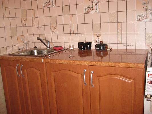 1-комнатная квартира посуточно в Трускавце. ул. Стебницкая, 74. Фото 1