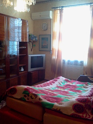 1-комнатная квартира посуточно в Бердянске. Ульяновых, 16. Фото 1