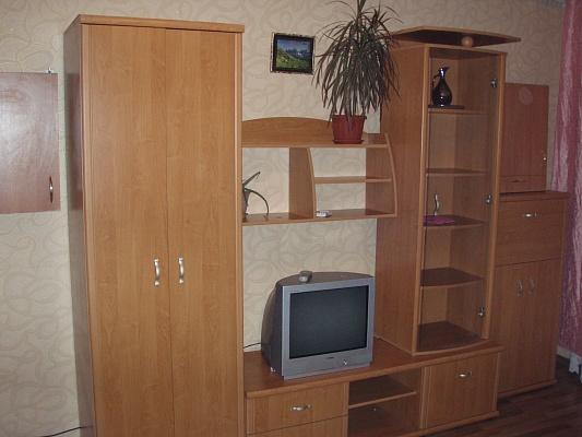 1-комнатная квартира посуточно в Феодосии. ул. Куйбышева, 6. Фото 1
