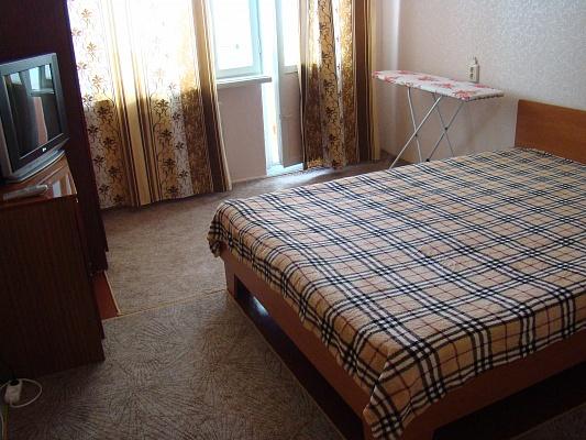 1-комнатная квартира посуточно в Севастополе. Гагаринский район, ул. Бориса Михайлова, 7. Фото 1