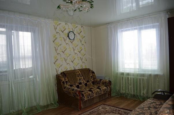 1-комнатная квартира посуточно в Бердянске. ул. Мазина, 50. Фото 1