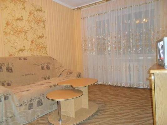 1-комнатная квартира посуточно в Кировограде. Ленинский район, Велика Перспективна, 15. Фото 1