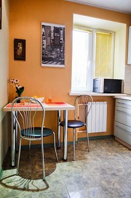 1-комнатная квартира посуточно в Харькове. Дзержинский район, ул. Отакара Яроша, 11а. Фото 1