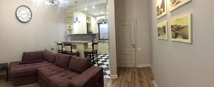 1-комнатная квартира посуточно в Одессе. Киевский район, Люстдорфская дорога, 121 корп. 1. Фото 1