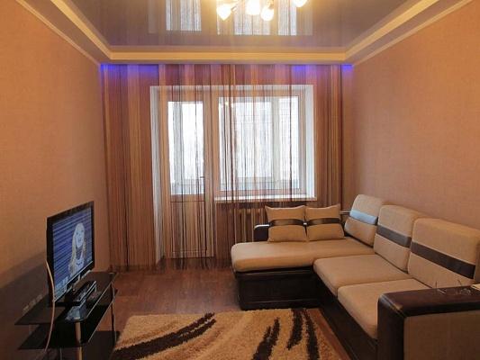 2-комнатная квартира посуточно в Луганске. Ленинский район, ул. Советская, 71. Фото 1