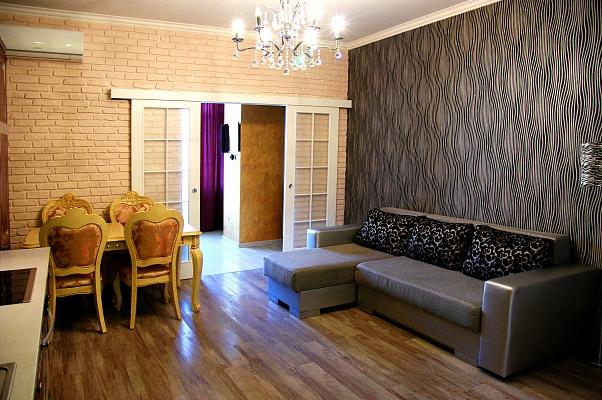 2-комнатная квартира посуточно в Одессе. Приморский район, ул. Генуэзская, 5. Фото 1