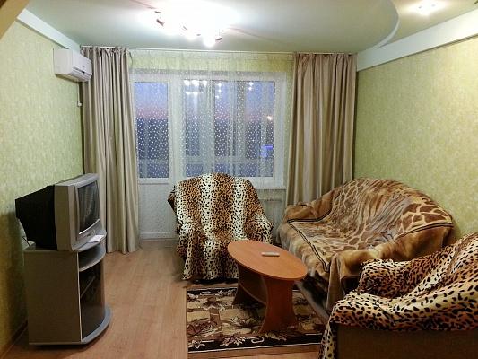 1-комнатная квартира посуточно в Северодонецке. пр-т Космонавтов, 23. Фото 1