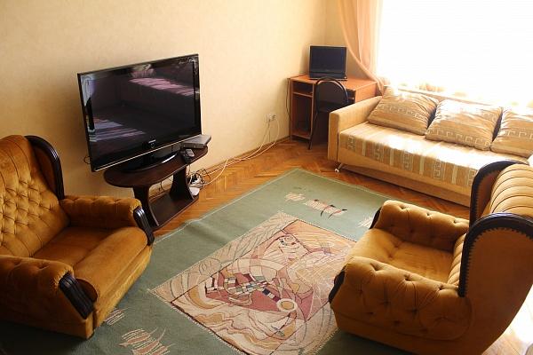 2-комнатная квартира посуточно в Киеве. Днепровский район, бул. Давыдова, 14. Фото 1