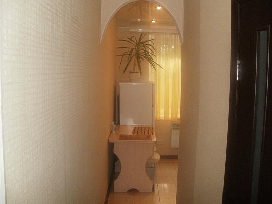 1-комнатная квартира посуточно в Никополе. ул. Электрометаллургов, 42. Фото 1