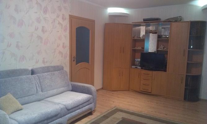 2-комнатная квартира посуточно в Днепропетровске. Октябрьский район, ул. Писаржевского, 8а. Фото 1