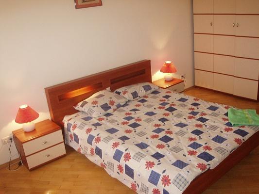 2-комнатная квартира посуточно в Житомире. ул. Киевская, 23. Фото 1
